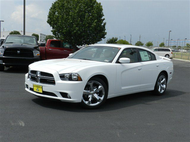 2013 Dodge Charger Cars Magazine