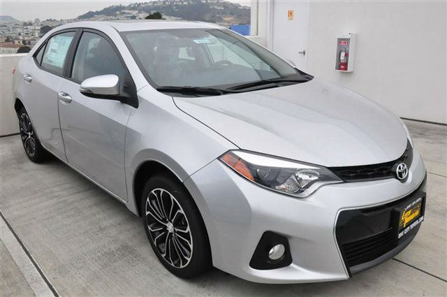 2014 toyota corolla s plus ctv. Black Bedroom Furniture Sets. Home Design Ideas
