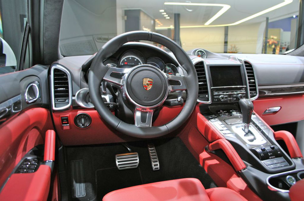 2014 porsche cayenne turbo s black. Black Bedroom Furniture Sets. Home Design Ideas