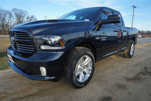 2014 ram 1500 crew cab sport black. Black Bedroom Furniture Sets. Home Design Ideas