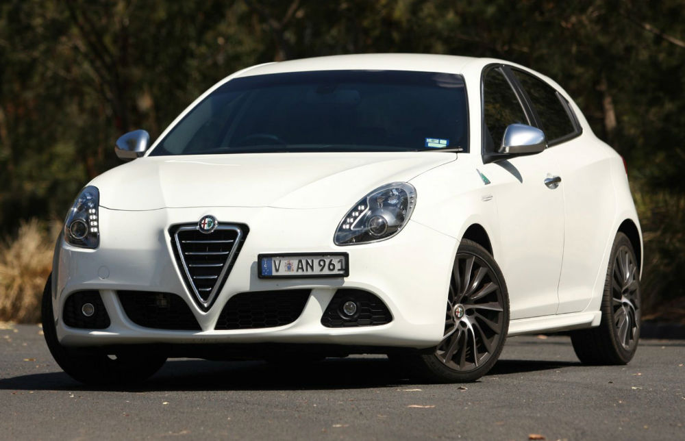 alfa romeo giulietta 2014 white images. Black Bedroom Furniture Sets. Home Design Ideas