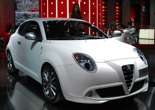 2014 alfa romeo mito quadrifoglio verde white. Black Bedroom Furniture Sets. Home Design Ideas