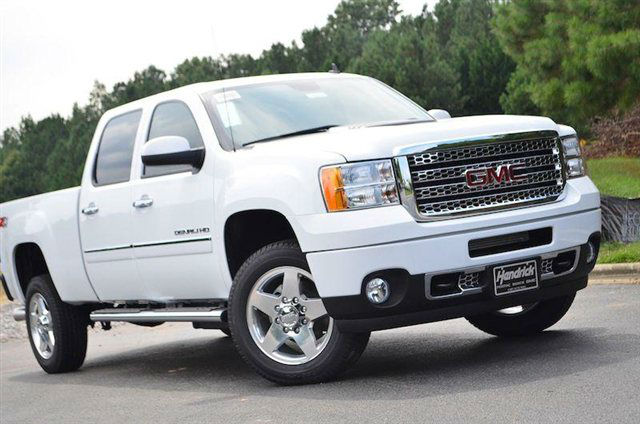 2014 GMC Sierra 2500 Lifted - Automobile Magazine