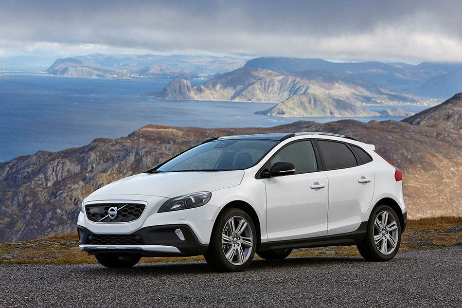 2014 Volvo V40 Cross Country White