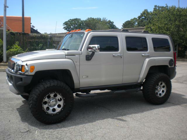 Hummer H3 Alpha Lifted