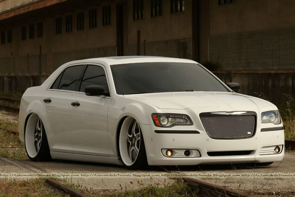 2013 chrysler 300 srt8 custom images pictures becuo. Cars Review. Best American Auto & Cars Review