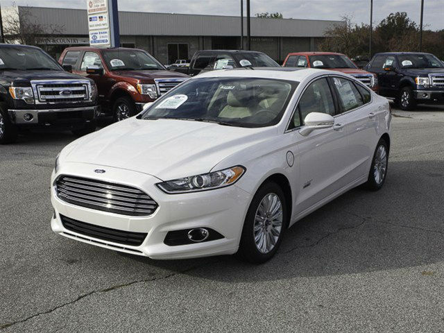 2013 Ford Fusion White Platinum
