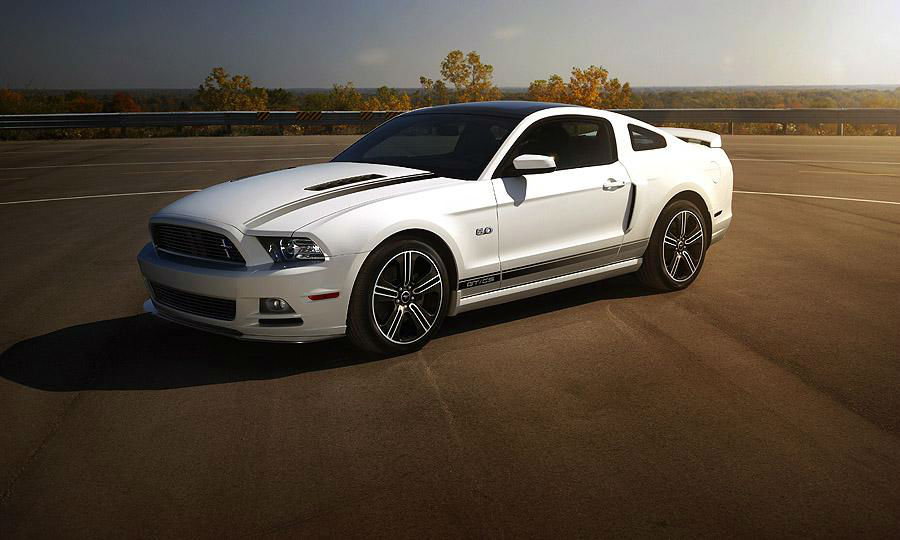 2013 ford mustang shelby gt500 white