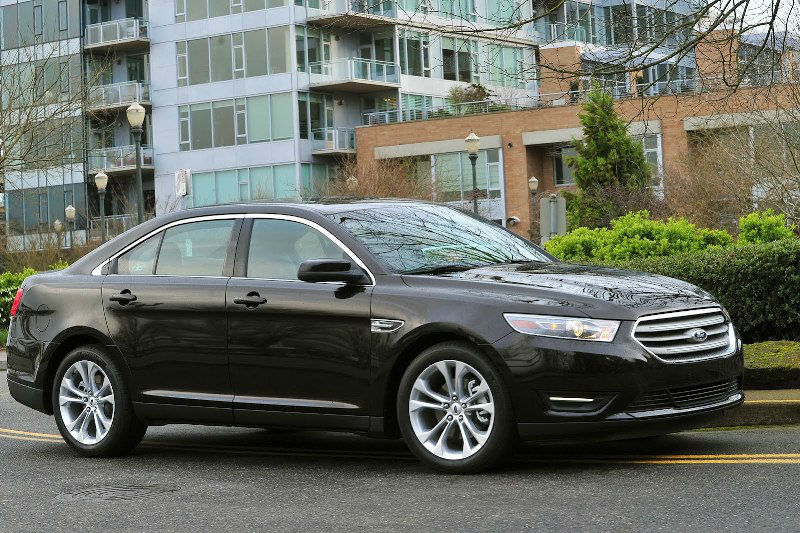 2013 Ford Taurus SEL Black