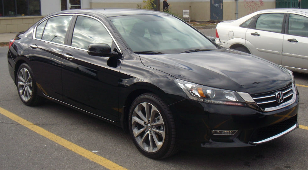 ... Right Side Of The Accord, And The Twou2013lane Walk And Forwardu2013collision  Warning Systems. Touring Trim Level And Adds An Adaptive Cruise Control  System.