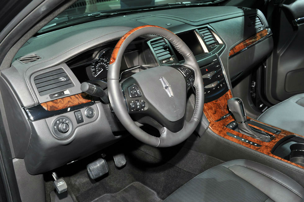 Lincoln Mks Interior on 2014 Lincoln Navigator