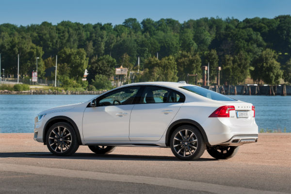 2017 Volvo S60 Cross Country